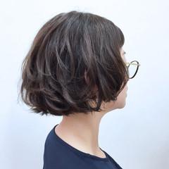 ゆるふわ ボブ ウェーブ ストリート ヘアスタイルや髪型の写真・画像