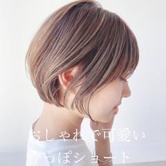 アンニュイほつれヘア ショート アウトドア ナチュラル ヘアスタイルや髪型の写真・画像