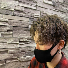 ショート メンズヘア スパイラルパーマ メンズ ヘアスタイルや髪型の写真・画像
