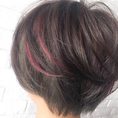 ショート ガーリー マッシュ インナーカラー ヘアスタイルや髪型の写真・画像