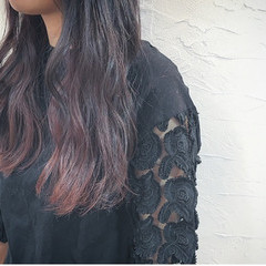 アッシュ インナーカラー ゆるふわ ロング ヘアスタイルや髪型の写真・画像
