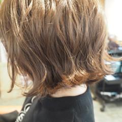 アッシュ 外ハネ ボブ ミルクティー ヘアスタイルや髪型の写真・画像