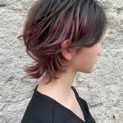 ナチュラルウルフ インナーカラー ミディアム マッシュウルフ ヘアスタイルや髪型の写真・画像