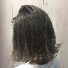 ラフ セミロング アッシュグレージュ ストリート ヘアスタイルや髪型の写真・画像