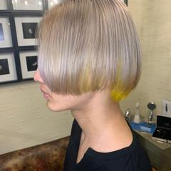ハイトーン ショートボブ ミディアム ホワイトカラー ヘアスタイルや髪型の写真・画像