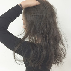 ゆるふわ パーマ 暗髪 外国人風 ヘアスタイルや髪型の写真・画像