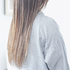シアーベージュ ミルクティーベージュ ヌーディベージュ ナチュラル ヘアスタイルや髪型の写真・画像