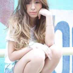 外国人風 ミルクティーベージュ ガーリー 前髪あり ヘアスタイルや髪型の写真・画像