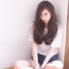 外国人風カラー 暗髪 パンク ロング ヘアスタイルや髪型の写真・画像