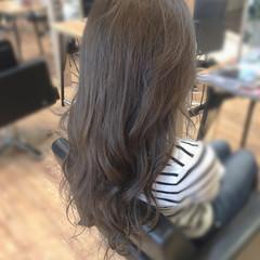 グレージュ ロング 外国人風カラー 上品 ヘアスタイルや髪型の写真・画像