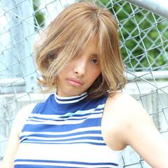 ハイライト ミディアム モード 外国人風 ヘアスタイルや髪型の写真・画像