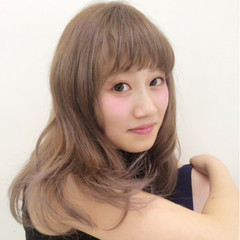 フェミニン セミロング グレージュ ピュア ヘアスタイルや髪型の写真・画像