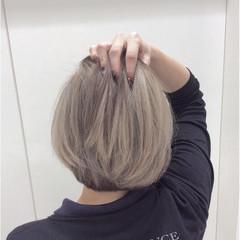 色気 アッシュ ハイライト アッシュグレージュ ヘアスタイルや髪型の写真・画像