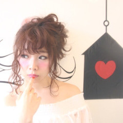 リラックス デート 色気 セミロング ヘアスタイルや髪型の写真・画像