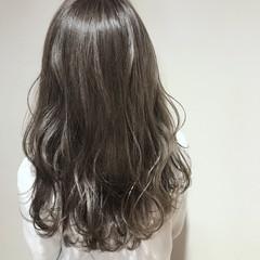 ハイトーン ナチュラル セミロング 透明感 ヘアスタイルや髪型の写真・画像