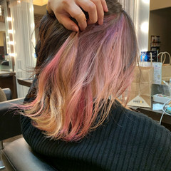 インナーカラー ガーリー ボブ インナーカラーレッド ヘアスタイルや髪型の写真・画像