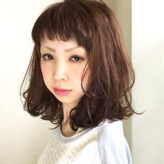 フェミニン パーマ ウェットヘア ミディアム ヘアスタイルや髪型の写真・画像
