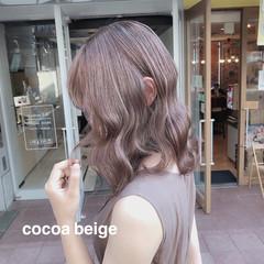 アッシュグレージュ ナチュラル セミロング ミルクティーベージュ ヘアスタイルや髪型の写真・画像