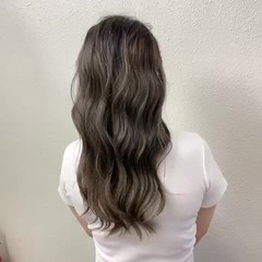 バレイヤージュ ブリーチ グレージュ ストリート ヘアスタイルや髪型の写真・画像