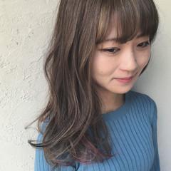 アンニュイほつれヘア セミロング アッシュベージュ ヘアアレンジ ヘアスタイルや髪型の写真・画像