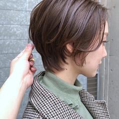 ベリーショート ハンサムショート ショートヘア アッシュベージュ ヘアスタイルや髪型の写真・画像