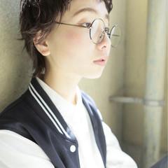 ショート 外国人風 黒髪 ナチュラル ヘアスタイルや髪型の写真・画像