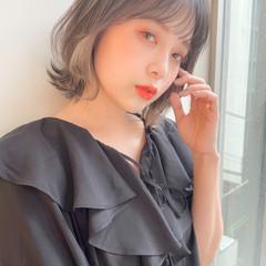 イヤリングカラー 透明感 レイヤーカット ナチュラル ヘアスタイルや髪型の写真・画像