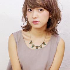 パーマ ミディアム 外国人風 ガーリー ヘアスタイルや髪型の写真・画像