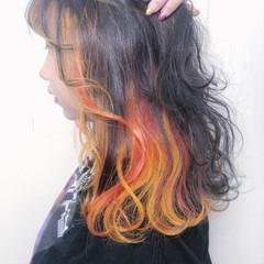 セミロング モード インナーカラー オレンジベージュ ヘアスタイルや髪型の写真・画像