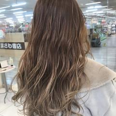 ブリーチ ロング グラデーションカラー エレガント ヘアスタイルや髪型の写真・画像