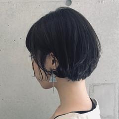 ショートパーマ ほつれウエーブ ショートボブ 大人女子 ヘアスタイルや髪型の写真・画像