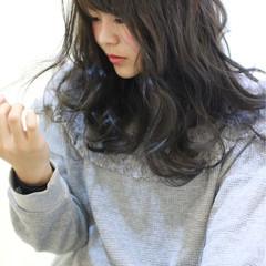 暗髪 アッシュ モテ髪 ゆるふわ ヘアスタイルや髪型の写真・画像