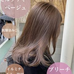 グレージュ ロング アッシュグレージュ インナーカラー ヘアスタイルや髪型の写真・画像