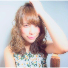 ガーリー 外国人風 フェミニン 前髪あり ヘアスタイルや髪型の写真・画像