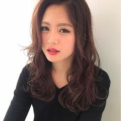 ロング 外国人風 レイヤーカット ベージュ ヘアスタイルや髪型の写真・画像