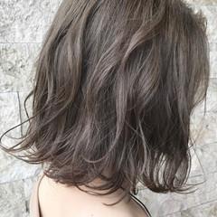 ベージュ 切りっぱなしボブ ミニボブ ボブ ヘアスタイルや髪型の写真・画像