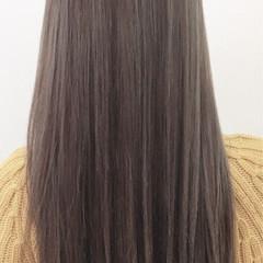 外国人風 ハイライト グレー ロング ヘアスタイルや髪型の写真・画像