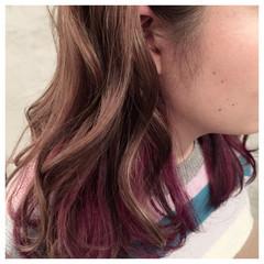 インナーカラー レッド ヘアマニキュア ハイライト ヘアスタイルや髪型の写真・画像