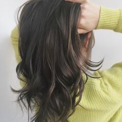 アッシュ コンサバ グレージュ ニュアンス ヘアスタイルや髪型の写真・画像
