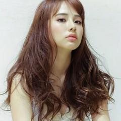 斜め前髪 大人ハイライト フェミニン 3Dハイライト ヘアスタイルや髪型の写真・画像