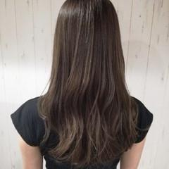 ロング グレージュ 艶髪 透明感 ヘアスタイルや髪型の写真・画像