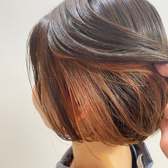 ミニボブ インナーカラー ガーリー ショートヘア ヘアスタイルや髪型の写真・画像