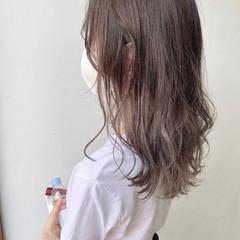 セミロング バレイヤージュ ミルクティーベージュ ブリーチカラー ヘアスタイルや髪型の写真・画像