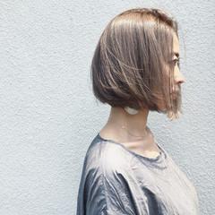 ボブ 切りっぱなし リラックス ナチュラル ヘアスタイルや髪型の写真・画像