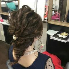編み込み ナチュラル セミロング 結婚式 ヘアスタイルや髪型の写真・画像