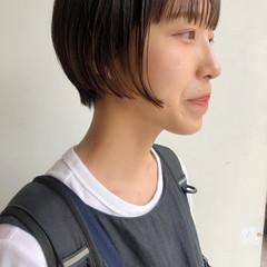 ショート 切りっぱなしボブ インナーカラー ショートボブ ヘアスタイルや髪型の写真・画像
