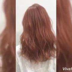 ガーリー デート オレンジ レッド ヘアスタイルや髪型の写真・画像