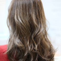 グラデーションカラー セミロング ゆるふわ ガーリー ヘアスタイルや髪型の写真・画像