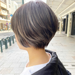 大人ショート 小顔ショート ショートヘア ナチュラル ヘアスタイルや髪型の写真・画像