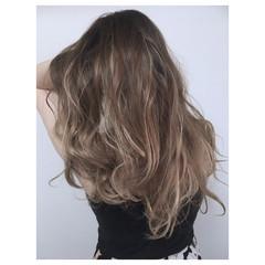 グラデーションカラー 上品 エレガント アンニュイ ヘアスタイルや髪型の写真・画像